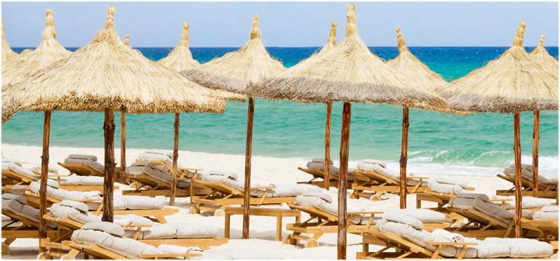 La plage de sable fin de Boujaafar à Sousse en Tunisie