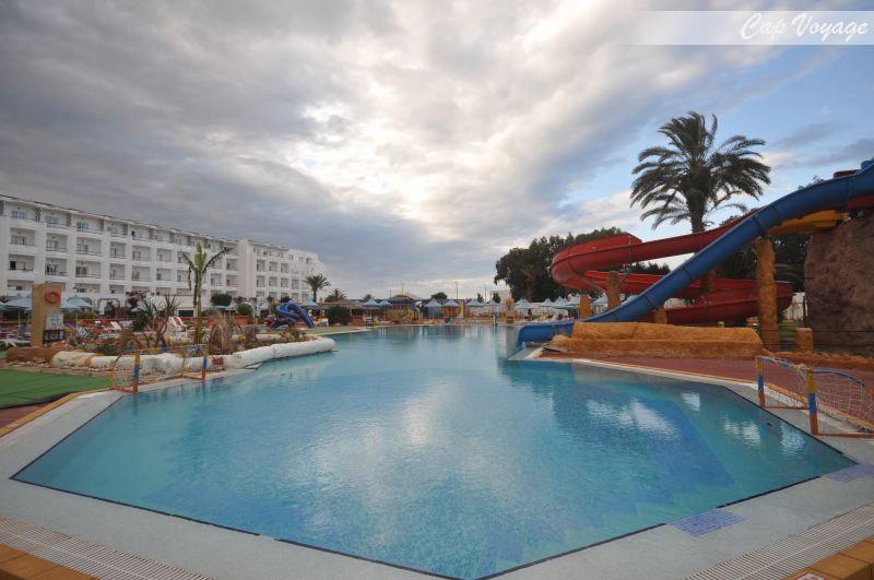 Hotel Daphn Club Skanes beach Monastir Tunisie, vue piscine