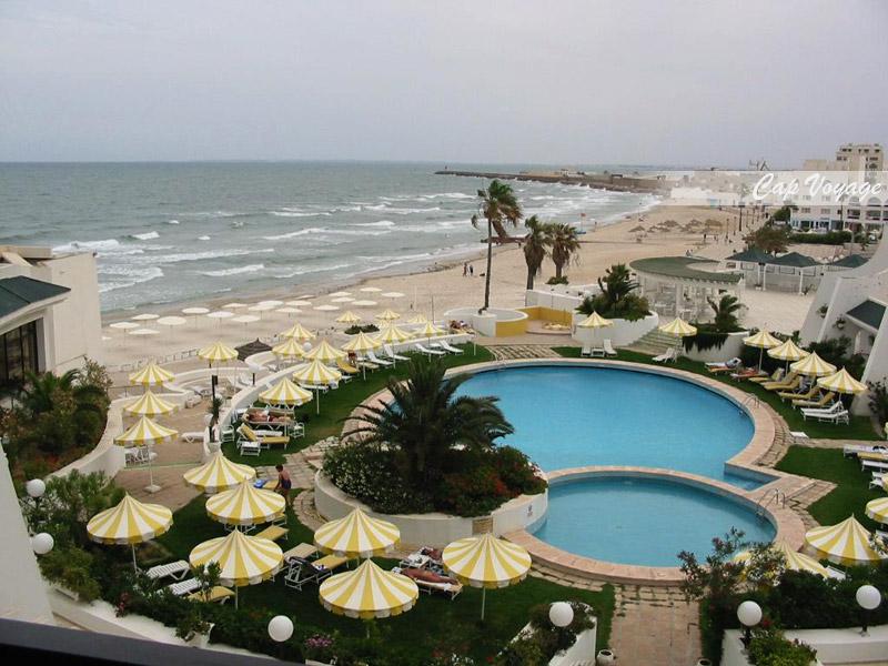 Hotel Nahrawess Boujaafar Sousse, vue piscine