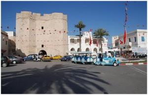 la Skiffa El Kahla vue de l'extérieur avecle musée de Mahdia voyage en Tunisie