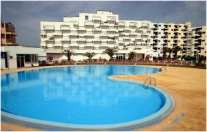 Hotel a Port Barcares, region du Languedoc-Roussillon est une station balneaire et lieu de sejour de reve; plage, residences, hotels, campings, villages de vacances,...