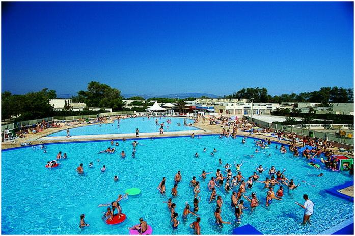 village de vacances a Port Barcares, region du Languedoc-Roussillon est une station balneaire et lieu de sejour de reve; plage, residences, hotels, campings, villages de vacances,...