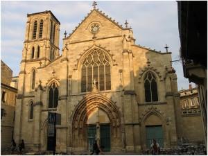 Eglise Saint-Pierre,Bordeaux est situee au sud-ouest de la France,departement de la Gironde dans la region Aquitaine a tous les atouts pour un sejour de reve;nature,hébergement