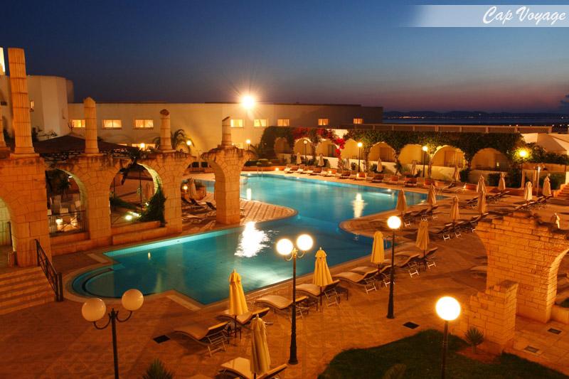 Hotel Le concul, Tunis, Tunisie, vue piscineTunis