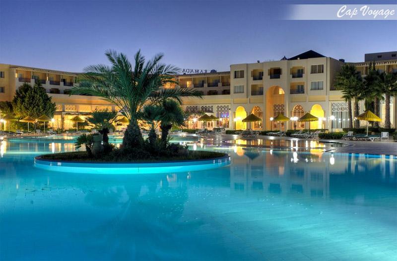 Hotel Ramada Plaza Tunis, Tunisie, vue piscine
