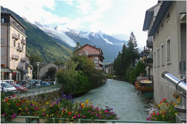 Chamonix mont blanc haute savoie france cap voyage for Camping chamonix piscine