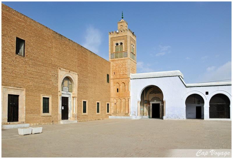 La mosquée du mausolée du Barbier Sidi Sahbi à Kairouan, voyage en Tunisie
