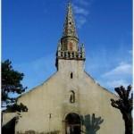 eglise, Clohars-Carnoet du Finistere dans la region de Bretagne en France vous invite a admirer la belle cote rocheuse, le sentier des douaniers, les plages de sable fin, les nombreux ports de peche, les sous bois aux sentiers multiples, profitez des randonnees pedestres, VTT et equestres.