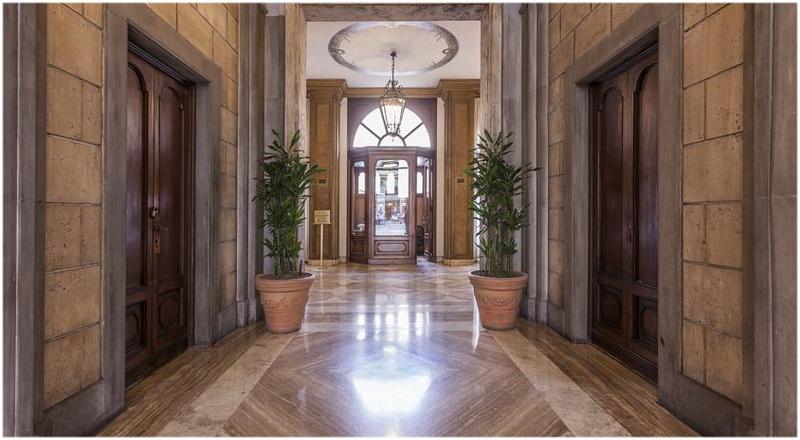 Hotel regina giovanna rome italie cap voyage for Chambre cinquante sept