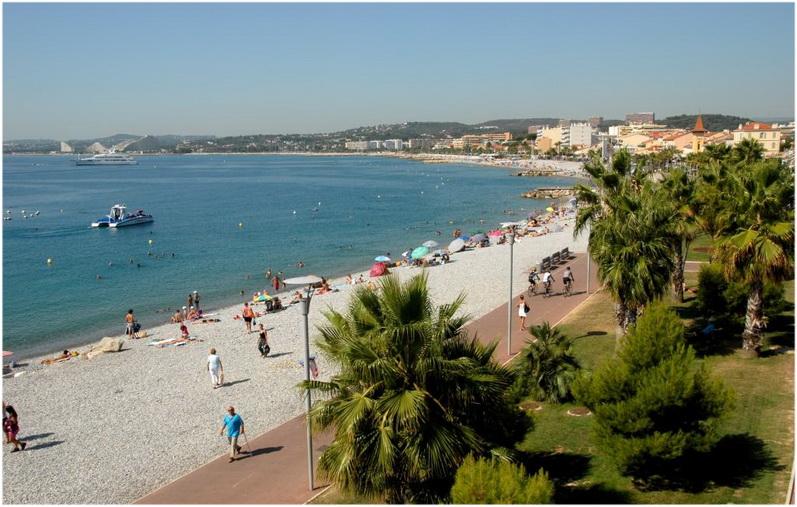 Cagnes-sur-Mer France  City pictures : Cagnes sur Mer France vue sur la plage