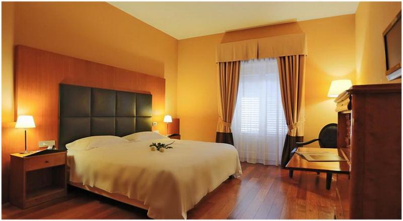 Hotel porta felice palerme italie cap voyage - Hotel porta felice ...