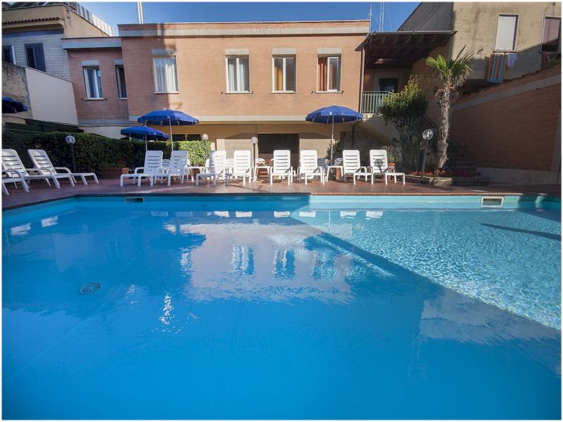 Hotel Villa Margherita, Naples, Italie, Piscine