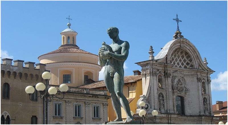 L 39 aquila italie cap voyage - Porta rivera hostel ...