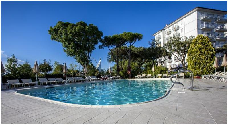 Hotel alexander venise italie cap voyage for Hotel venise piscine interieure
