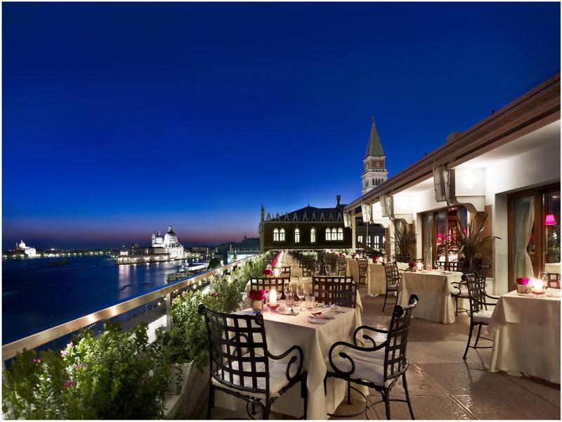 Hotel Venise Place Saint Marc