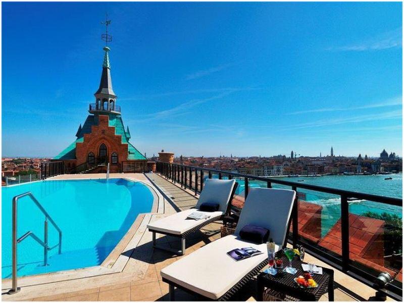 Hotel Molino Stucky, Venise, Italie, Piscine vue sur mer