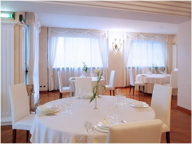 Hotel du cheval blanc, Aoste, Italie, Restaurants