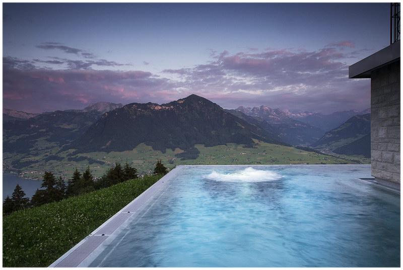 La piscine de la Villa Honegg (Ennetburgen, Suisse)