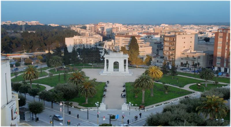 Barletta andria trani pouilles italie cap voyage - Bureau de change place d italie ...