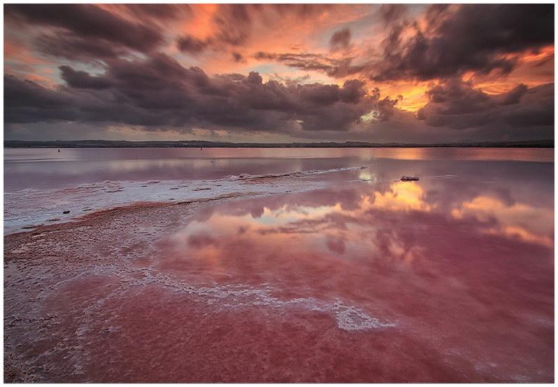 Le Lac Hillier de Middle Island en Australie