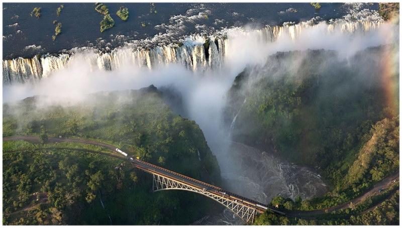 Les chutes du lac Victoria, en Zambie.
