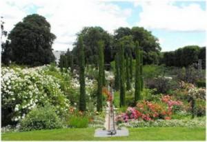 Orl ans loiret centre val de loire france cap voyage - Maison jardin des plantes nantes orleans ...