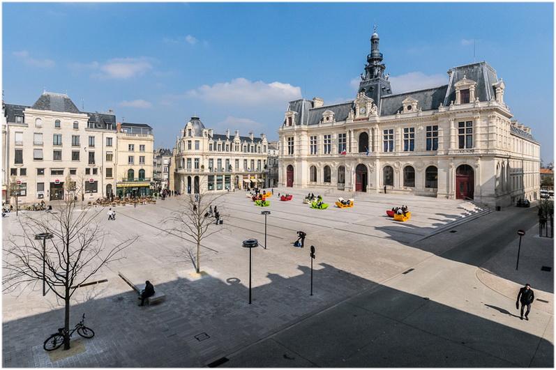 Poitiers la vienne poitou charentes france cap voyage - Chambre des notaires poitiers ...