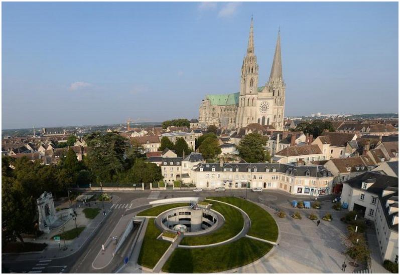 Chartres centre val de loire france cap voyage for Piscine chartres