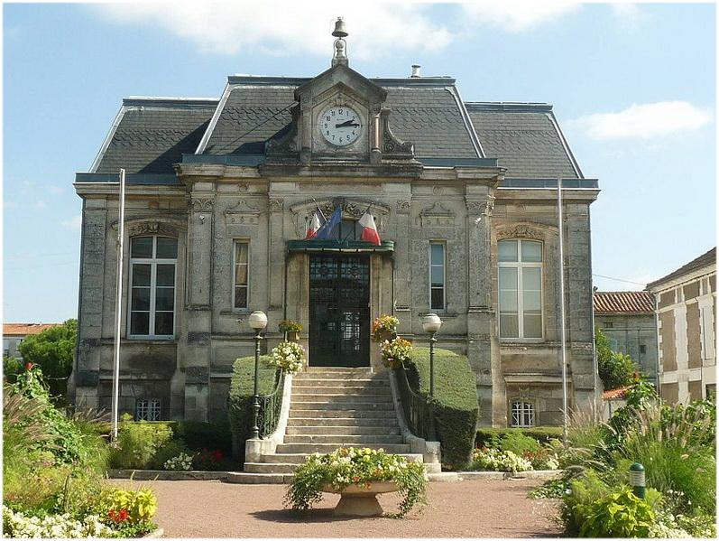 La Couronne France  city pictures gallery : La Couronne, Charente, Poitou Charentes, France, mairie