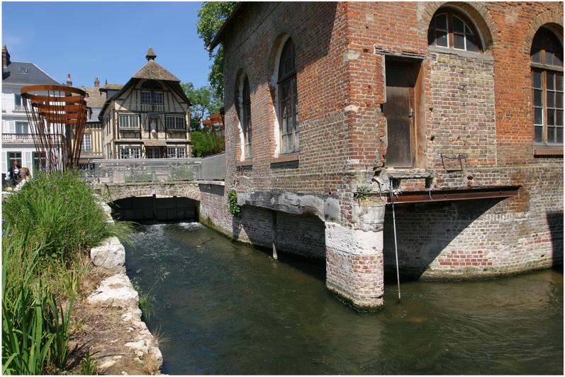 Louviers eure haute normandie france cap voyage for Piscine de louviers