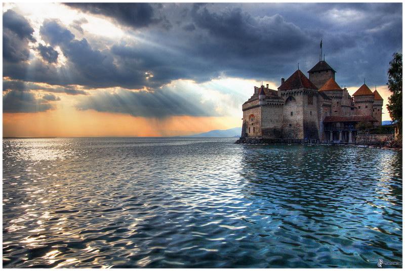 Chateau De Chillon sur le lac Léman, en Suisse..
