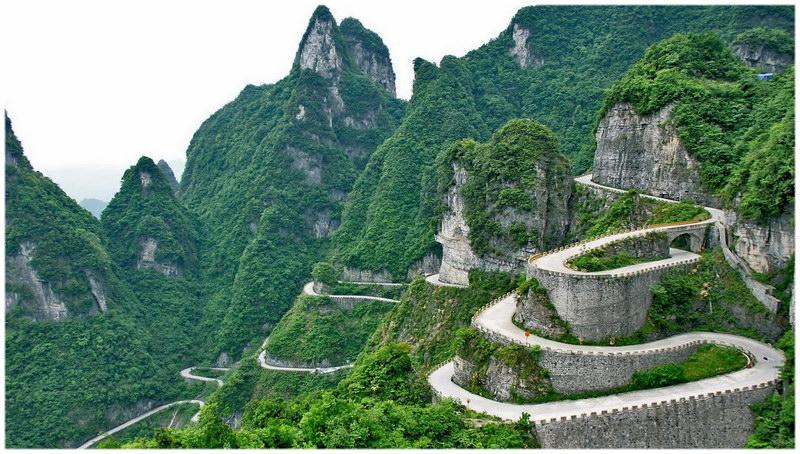 ROUTE DE MONTAGNE DE TIANMEN - CHINE