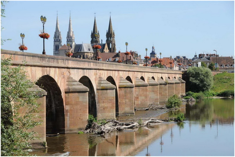 Moulins, Allier, France, pont-regemortes