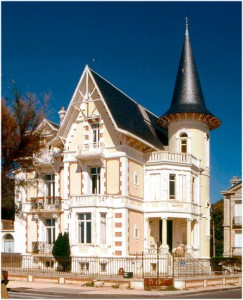 Saint-Cloud, Hauts-de-Seine, Île-de-France,  France, villa mar