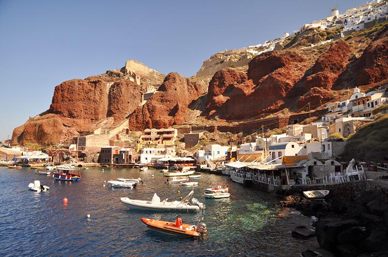 La baie d'Amoudi à Santorin