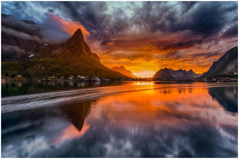 Lever de soleil îles Lofoten