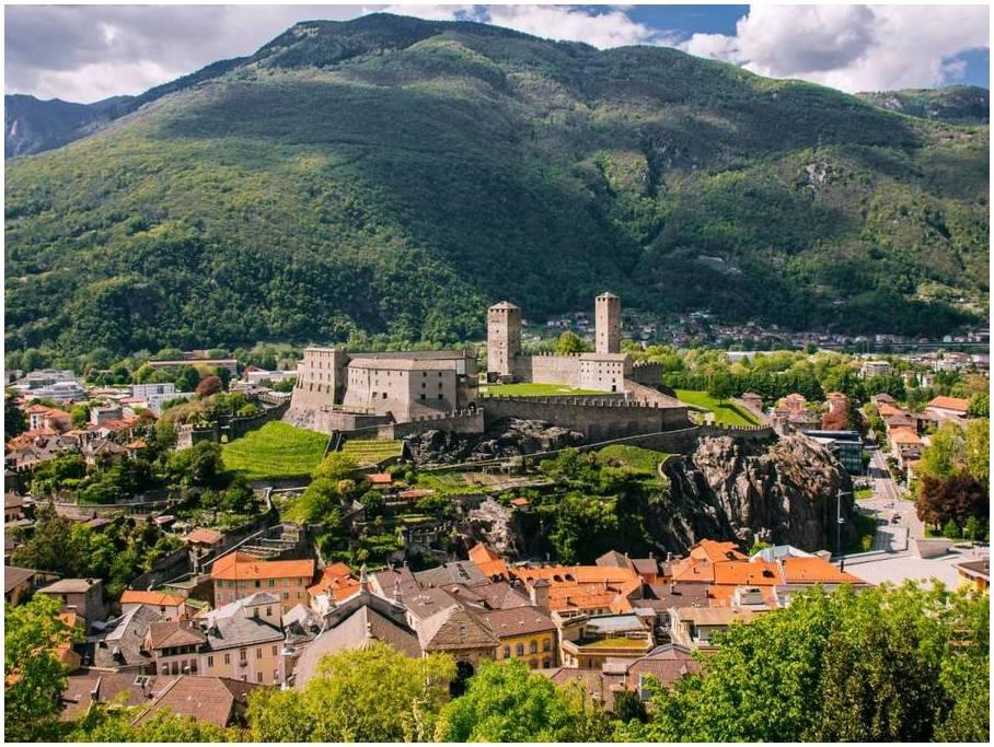 Les-chateaux-de-Bellinzona-suisse